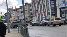 Отключенные светофоры создали затор на перекрестке Ленина и Сахалинской в областном центре