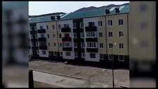 Мужчина сорвался с балкона 4 этажа