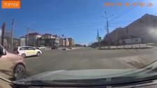 ГИБДД ищет водителя такси, ехавшего по встречке в Южно-Сахалинске