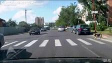 Как переходить дорогу по правилам.