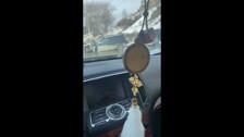 Subaru Legacy влетел в отбойник у школы в Корсакове