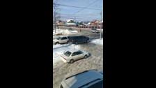 Глава Хомутово припарковался на пешеходном переходе и перегородил путь бабушке