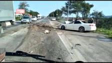 Седан разбился о большегруз на дороге в Луговое