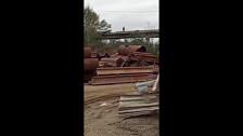На виадуке по Транзитной Crown повис над пропастью в бетоне