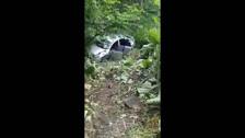 Сахалинец обнаружил в лопухах разбитый Nissan Bluebird