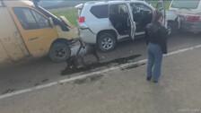 На севере Южно-Сахалинска столкнулись три автомобиля